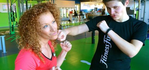 Lina und ich posieren beim Personal Training Check up