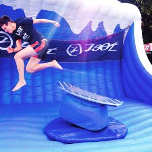 Absprung/-flug vom Surfing Rodeo