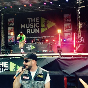 Das Bo im Bühnengraben beim Music Run Hamburg